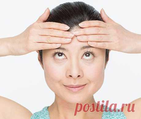 Стираем морщины и открываем глаза: упражнение 2 в 1 от Мамады Йошико. Это простое упражнение для лица подтянуть наиболее важные части лица: лоб, виски, брови, глаза и веки. Будьте молоды и красивы!
