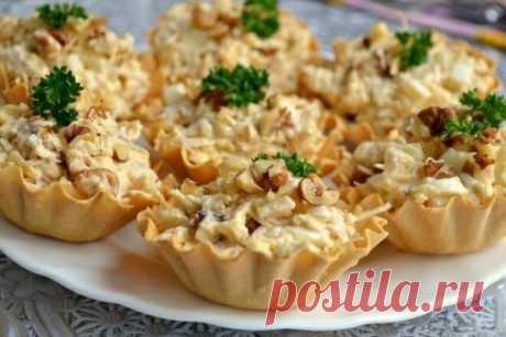 Закусочные тарталетки с куриным салатом, рецепт с фото — Вкусо.ру