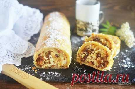 Fast strudel with dates and nuts