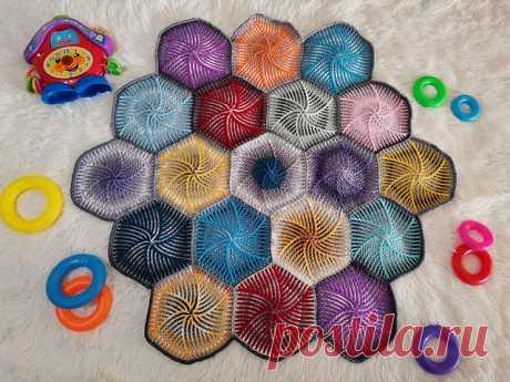Ravelry: Swirly Candy pattern by BebaBlanket