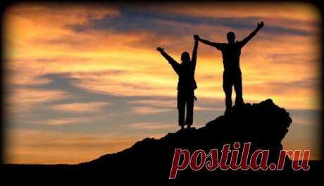 """Вы и только Вы - причина Ваших неудач и успехов! """" Помните, что успех - это никогда не прекращающееся стремление добиться большего. Это возможность постоянно расти эмоционально, социально, духовно, интеллектуально, физиологически и материально. Дорога, ведущая к успеху, вечно обновляется. Ибо успех - это поступательное движение, а не точка, которую можно ДОСТИЧЬ"""""""
