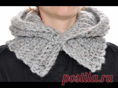 Hood on a button. Make look slender. We knit a hook.