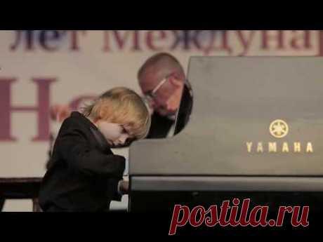 Елисей Мысин и Владимирский Губернаторский симфонический оркестр - Концерт для фортепиано с оркестром №5 (И.С.Бах)