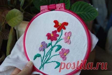 Вышила цветы маргаритки, используя прием петли с прикрепом и обметочный шов | Клей | Яндекс Дзен
