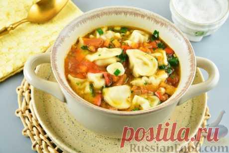 Рецепт: Пряный суп с пельменями, помидорами и сладким перцем на RussianFood.com