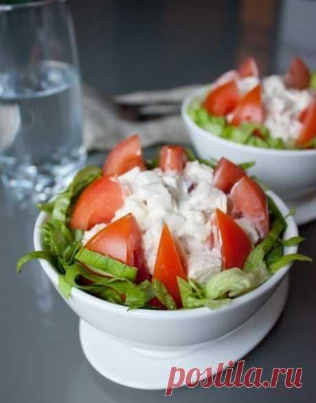 Как приготовить салатик из курицы и помидоров  - рецепт, ингридиенты и фотографии