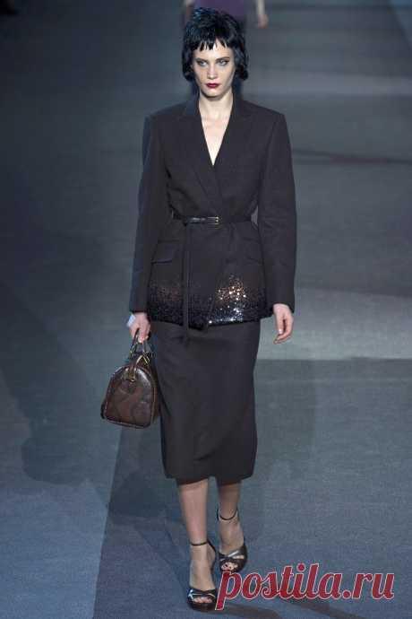 1366889054_paris_fashion_week_a_collection_of_louis_vuitton_fall_winter_2013_2014_24.jpg (800×1200)