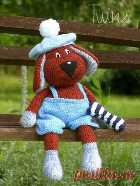 Мастерская игрушек. Handmade, рукоделие. Собачка, вязанная спицами (+ описание)