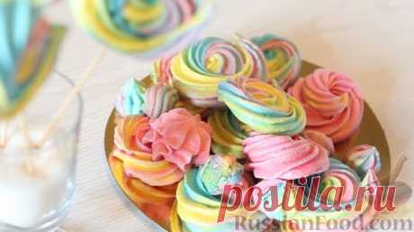 Los pasteles a la fiesta infantil