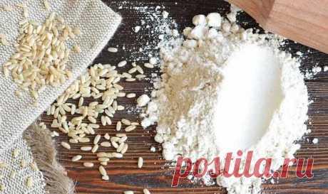 Рецепты из рисовой муки в духовке: оригинальность вкусов Рецепты из рисовой муки в духовке микроволновке, хлебопечке очень разнообразны, такая выпечка полезна и вкусна.