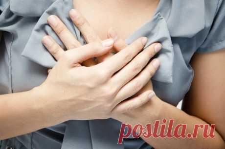 Боль в груди у женщин: тревожный сигнал или нормальное явление Хотя большинство женщин и привыкли к тому, что раз в месяц в их молочных железах возникают болезненные ощущения, иногда боль в груди у женщин может вызвать беспокойство: а не рак ли это? Особенно част...