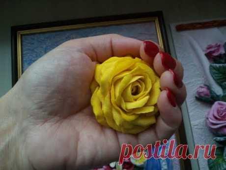 Лепка розы с тонкими лепестками из солёного теста.