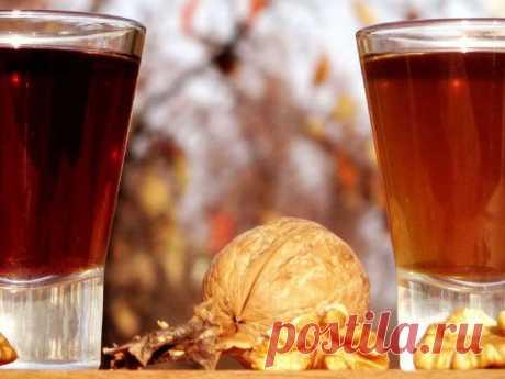 Целебная настойка из перегородок грецкого ореха Народные лекарства приготовленные на основе этой части ореха отлично помогают справиться с многими недугами.