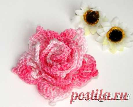 Красивый цветок крючком