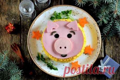 Салаты на Новый год 2019: простые и вкусные рецепты новогодних салатов