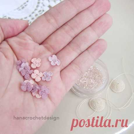 A handful of flowers.. . . . . . . . #miniaturecrochet #crochetnecklace #craftymom #craftstherapy #crochetlover #miniatureamigurumi #sgcrochet #crochetflower #carousell #bridesmaidnecklace #handmadeaccesories #bridesmaidjewelry #sgcraft #handmadeearrings #sgflea #sgwedding #sgflea #crochetaddict #bridesmaidearrings #miniaturecrochet #weddingjakarta #bridal #havefunwithyarn #craftposure #flowerembroidery #momprenuer #crochet #crochetflower #etsyseller #crochetofinstagram #h...