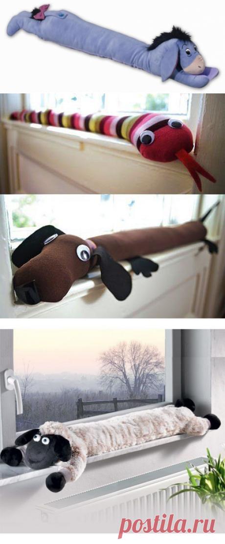 Забавные подушки под дверь и на окно от сквозняков — Рукоделие