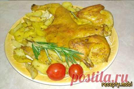 Курица с картошкой запеченная в духовке целиком ✅Ингредиенты курица – 1,5 кг; картофель средний – 8-10 шт; чеснок – 2-3 зубчика; розмарин – 1 веточка.  ✅Для маринада курицы: соевый соус – 2-3 ст. л; гранатовый соус – 1 ч. л; соль – по вкусу; чёрный и красный перец – по вкусу.  ✅Для румяной корочки: любимые специи для курицы – 1-2 ст. л; сметана – 1-2 ст. л; желток – 1 шт.  ✅Для картофеля: оливковое масло – 2-3 ст. л; соль – по вкусу; прованские травы – 1 ч. л.