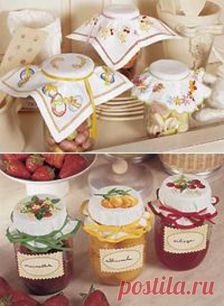 Кухонные мелочи. Компоты, варенья, соления. Оформив такой салфеткой, баночку варенья можно подарить ее в качестве дополнения к основному подарку. ДУША и ЗАБОТА