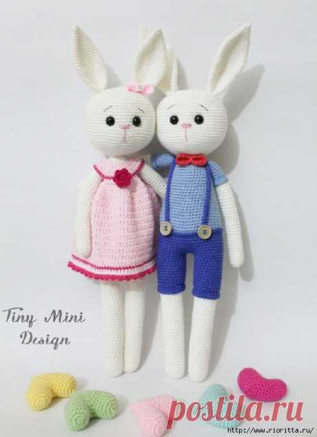 Knitted hares from Tiny Mini Disign