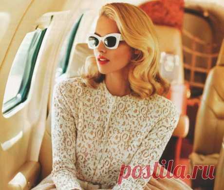 Забавный случай про блондинку в самолете…)