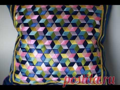 Для плетения понадобятся разноцветные ленты шириной 12-15мм. Материал для творчества можно приобрести в онлайн-магазине https://миррукоделия.рф/