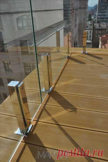 Изготовление лестниц, ограждений, перил Маршаг – Перила на стойках для террасы стеклянные