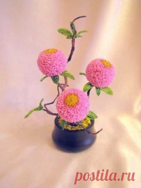 Пушистые цветочки из бисера