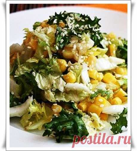 Салат из пекинской капусты с кукурузой.