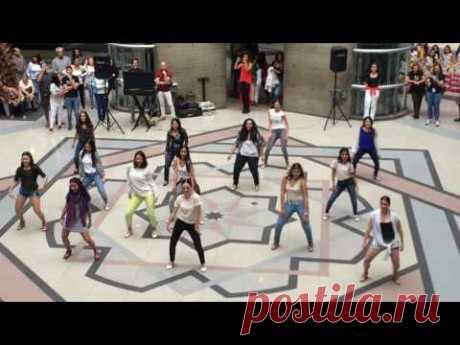 Flash Mob La Macarena Fusión- Flamenco Academia Adagio y Buleria