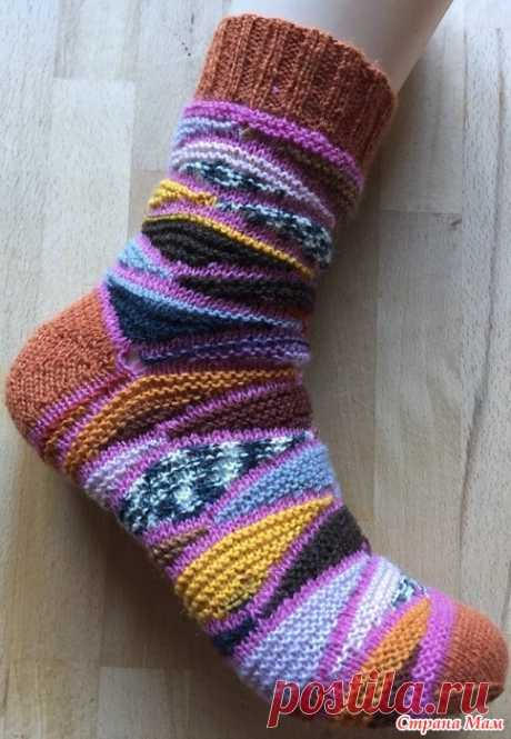 """Новые носки """"Битое стекло"""" онлайн. Всем привет.  Дорогие мои,у меня связался вот такой чудесный носок укороченными рядами. Завтра приступаю к вязанию второго носка. И точно знаю,что буду вязать ещё одну пару,т.к."""
