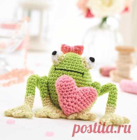 Amigurumi la rana de Esmeralda por el gancho
