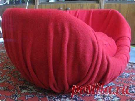 Оригинальное мягкое кресло