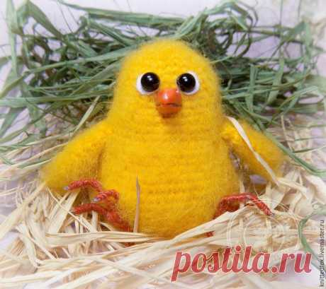 We knit a lovely chicken - the Fair of Masters - handwork, handmade