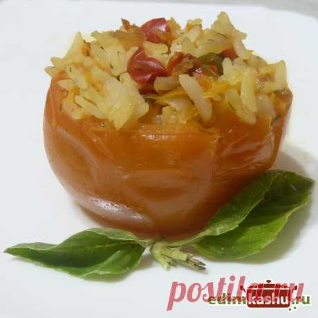 Фаршированные помидоры с рисом. Вкусные фаршированные помидоры с рисовой начинкой - блюдо на каждый день, а также для постного или веганского/вегетарианского меню. Можно приготовить как в духовке, так и на плите.
