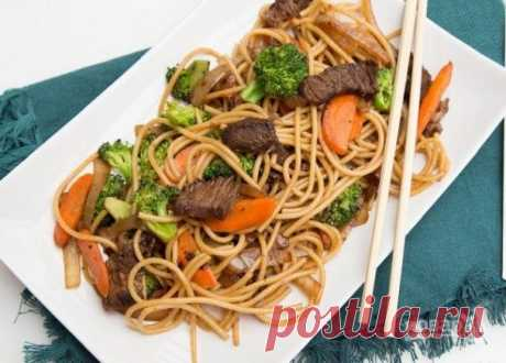 Макароны с мясом и овощами. Обычное блюдо, макароны с мясом, овощами и нотками азиатской кухни.
