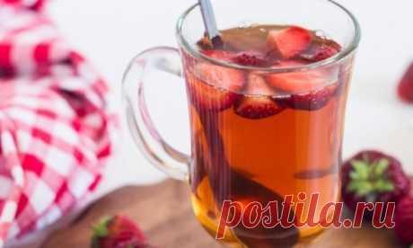 Вкуснейший чай с клубникой и мятой