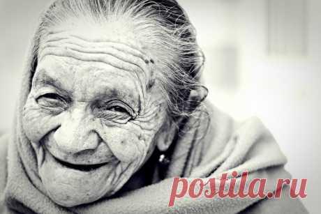 Бабушка, которой 83 года, написала подруге письмо. Его важно прочесть каждому из нас, особенно если вы чем-то недовольны Современная жизнь в большинстве своем – это гонка: за новой должностью, за идеальной фигурой, за чьим-то расположением, за новогодней распродажей. И в этом безумном забеге многие порой забывают...