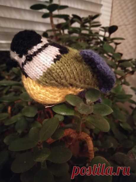 Синичка - украшение для домашних растений. Амигуруми. Вязаные игрушки - подарок любимым.