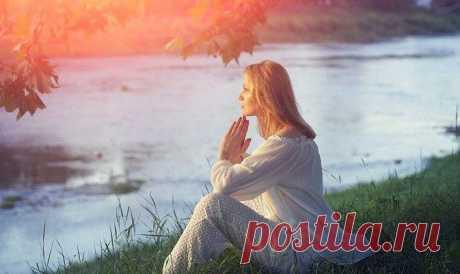 ПРАКТИКА «ЗАЗЕМЛЕНИЯ» Аюрведический центр красоты и здоровья «Живая вода»  Если нужно собраться с мыслями: ПРАКТИКА «ЗАЗЕМЛЕНИЯ» Делайте следующую медитативно-дыхательную практику, когда у вас есть свободная минутка — для …