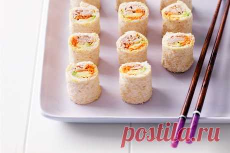Мини-сэндвичи из авокадо и тунца в японском стиле