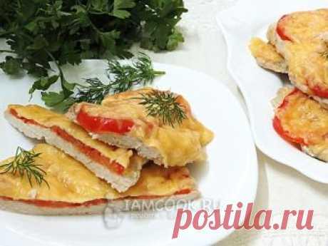 Филе куриное с помидорами и сыром — рецепт с фото Приготовленная в духовке в курица с помидорами и сыром -  это вполне самостоятельное блюдо, которое прекрасно сочетается с любым гарниром.