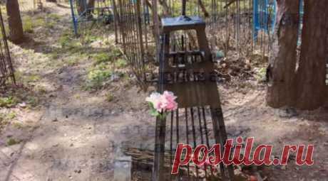 Камера барахлила: исследователь снял на видео странности на могиле участника тургруппы Дятлова: https://ren.tv/novosti/2018-05-16/kamera-barahlila-issledovatel-snyal-na-video-strannosti-na-mogile-uchastnika