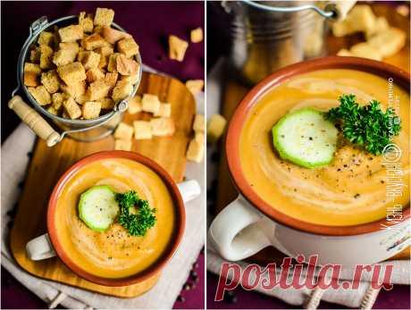 Суп-пюре из кабачков - штука очень вкусная! Одновременно сытный и легкий.