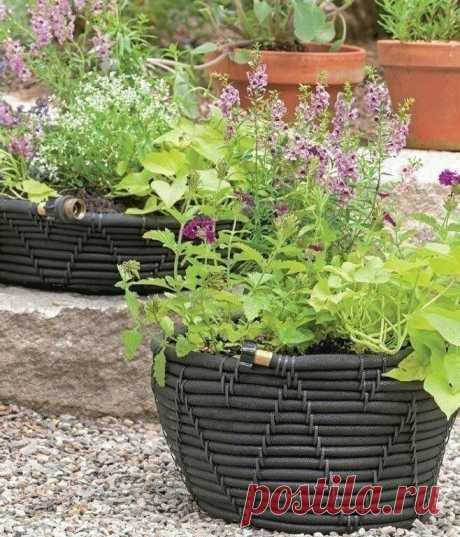 Садовые корзины (из шланга)