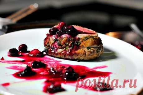 Говядина, запеченная в духовке куском с ягодами рецепт с фото пошагово на Нямкин.ру