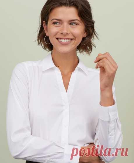 Какой элемент гардероба является отличной базой для любого стильного образа? Конечно же, классическая рубашка, которая идеально подойдет как для деловых будней, так и для вечернего выхода! Наши стильные модели уже доступны в магазинах и онлайн. Рубашка: 0507909 #HM