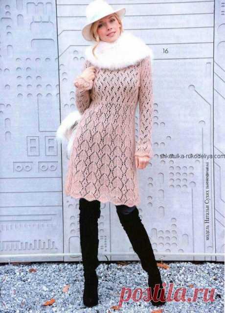 Ажурное платье из мохера Ажурное платье из мохера спицами. Платье с длинным рукавом спицами описание