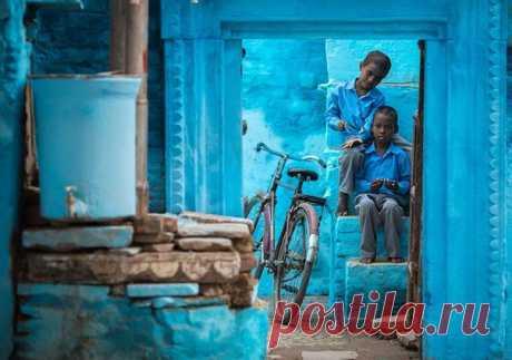 Синие краски города Варанаси. Штат Уттар-Прадеш, Индия. Автор фото: Антон Янковой.
