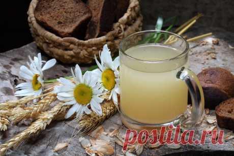 ЗЕРНОВЫЕ НАПИТКИ ДЛЯ ЗДОРОВЬЯ  Зерновой напиток (нормализует обмен веществ): - зерна пшеницы, овса, ржи по столовой ложке - льняное семя (чайная ложка) - корни цикория обжаренные кусочками (столовая ложка) Заливаем 1 литром кипятка, настаиваем в термосе или укутав около 2 часов.  Зерновой напиток с травами (согревающий): - зерна пшеницы (2 ст.л) - душица (1 ст.л.) - имбирь тертый (0,5 - 1 ст.л.) - корица половинка палочки Залить 1 литром кипятка и в термосе часок-другой на...